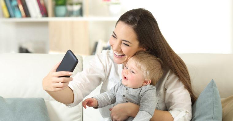 Illustration de l'article «Sharenting» : les parents ont-ils le droit de poster des photos de leurs enfants sur internet ?